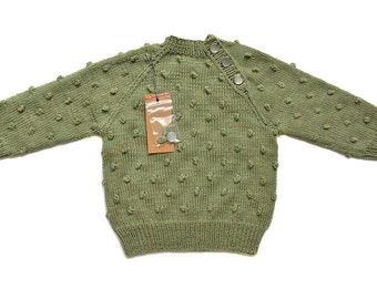"""Sweater Candy. A cozy and warm knitted sweater made for adventures. """"Moos"""""""