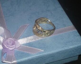 9 carat Gold Filigree Ring