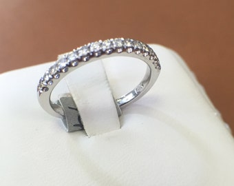 Wedding Band. 14k White Gold with 0.25ct of Natural Diamonds