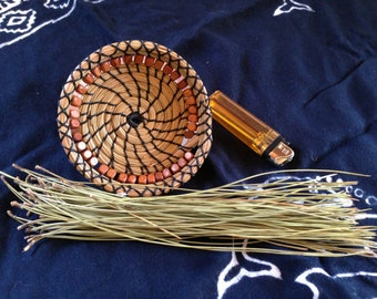 Small pine needle basket