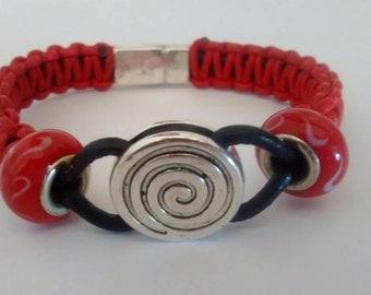 Flat spiral knot bracelet