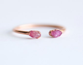 Silver Electroformed Rough Pink Sapphire Gemstone Stacking Ring. Pink Sapphire Ring. Pink Gemstone Ring. Stackable Gemstone  Rings. Gift