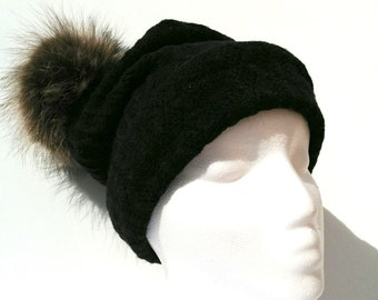 Recycled fur Pompom toque / wool hat with fur