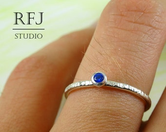 Textured Lab Sapphire Silver Ring, Blue 2 mm Gemstone Tiny Texture Sterling Ring Simulate Blue Corund Sapphire Hammered Ring, Blue Stone