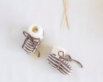 MERINO BABY BOOTIES | Size 3-6 months | Hand knitted in Merino wool | Brown + Cream