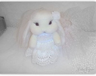 Needle felted white  Bunny. Miniature white Bunny. little white Bunny. Handmade white Bunny. Cute  rabbits. Bunny as a gift-animals Bunny .