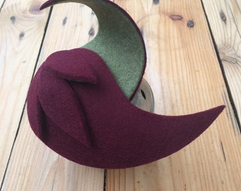 WAIVE . Burgundy and pastel pistachio green felt fascinator/mini hat/head piece