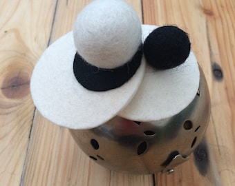 SNOOKERBALL. Black and white fascinator/ head piece