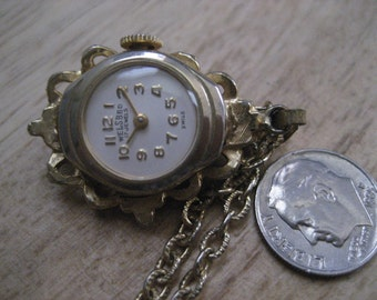 """Vintage Welsbro 17 Jewels Swiss Watch Necklace front side Jade Stones on 24"""" Rolo Chain Runs, keeps perfect time"""
