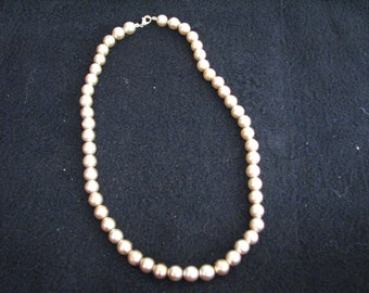 """Vintage 18"""" gold bead necklace in excellent condition"""