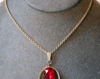 Gold Plated 1950'S Red Faceted Stone Pendant Necklace