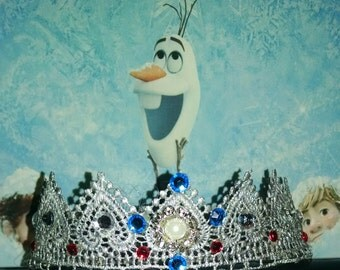 Silver bejeweled princess crown
