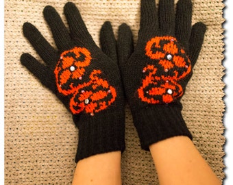 Gloves with flowers