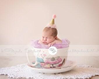 Newborn Prop Backdrop (Cup Modern)