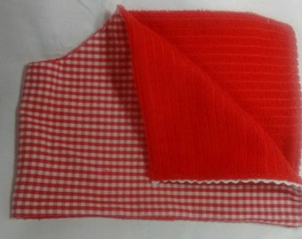 Contoured Red Gingham Country Burp Cloth
