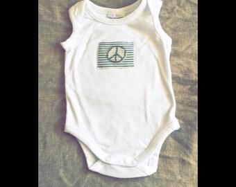 Baby bodysuit size 000