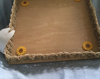 Square tray, sunflowers, sea grass weave