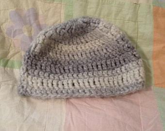 grey/white crocheted hat