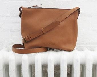 ATILO Shoulder Bag in Tan Leather