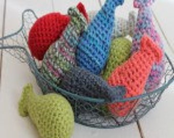 Crochet fish cat toy filled with cat nip