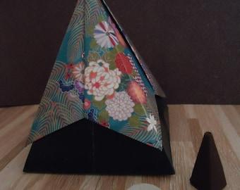 Box Shikantaza, pyramid in incense - Origami