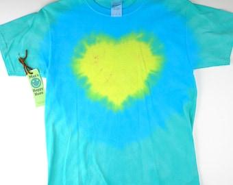 heart shaped tie dye t shirt ( Size L - Youth )