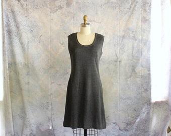 vintage 1960s dress . heather gray knit dress . mod knee length shift dress . sleeveless dress, size small medium