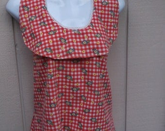 70s Red Gingham Big Collar Halter Blouse with Turtle and Daisy Floral