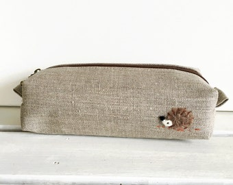 Long box pouch - linen and a hedgehog applique