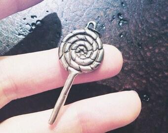 Carnival style twist lollipop pendant in fine silver