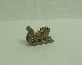 Dollhouse Miniature Filled Antique Gold Sleigh Figurine