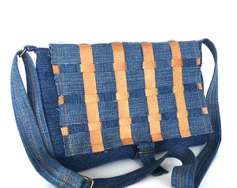 Denim messenger bag, Recycled jean purse, Blue crossbody bag,Jean messenger, Denim side bag, Girls gift,Vegan messenger bag,Cross over purse