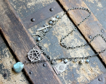 Witchcraft Charm Necklace - Labradorite and Pentacle