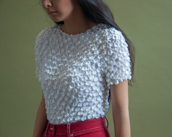 white micropleat popcorn top / crinkly crop top / minimalist top / s / 1662t