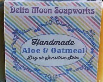 Handmade Aloe and Oatmeal Goat Milk Soap, natural soap, honey oatmeal soap,unscented soap, fragrance free soap, soap for sensitive skin