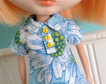 Blythe Dress - The Twiggy in Large Daisies