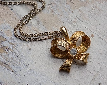 FREE SHIPPING Vintage Goldtone Bow Pendant with Rhinestone Necklace