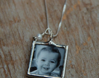 Mothers birthstone photo necklace, Mommy Photo Necklace, New Mom Gift, Grandma Necklace, Memorial Photo Necklace
