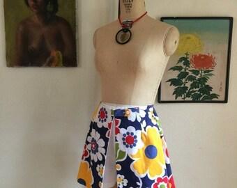 Fall sale 1960s skort vintage shorts op art skirt size small 60s mini skirt 1960s shorts cotton skort 26 waist