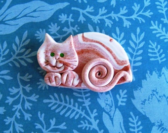 Polymer Clay Marbled calico Happy Cat Brooch or Magnet