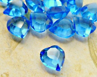 12 Vintage Swarovski 8x8mm Transparent Sapphire Crystal Heart Jewels Art 4815 (43-16-12)