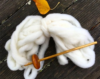 Roving Organic Wool for Spinning and Felting 10 oz.