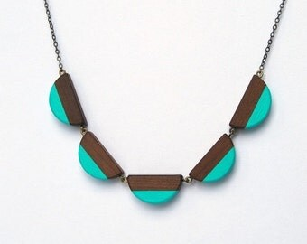 50 % off Scallop wooden dentelle - antique brass, wood and turquoise color accent necklace