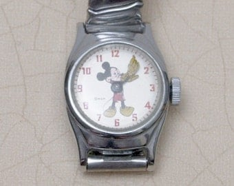 RUNS - Mickey Mouse Timex Childrens Mechanical Watch 1960s
