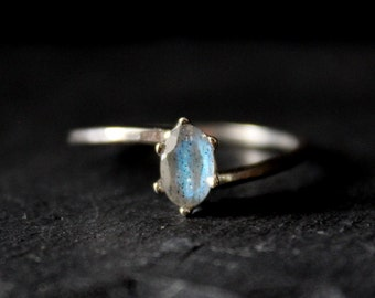 Oval Blue Flash Labradorite Bypass Sterling Silver Ring / Engagement Ring / 6x4mm 6mm x 4mm Minimalist Geometric Bridal / Gugma Women's