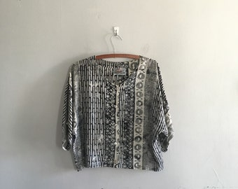 Vintage boxy blouse black and white top dolman sleev blouse button up