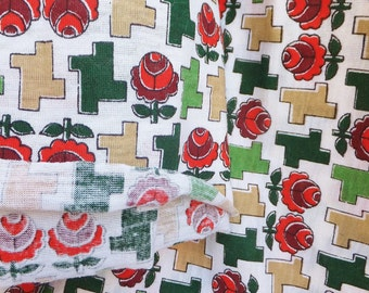 Vintage 1960's Geometric Rose Fabric Jersey Fabric T-Shirt Fabric Red Green White Fabric Vintage Rose Fabric Mod Fabric