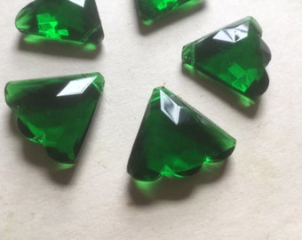 Vintage Glass Beads (2)(25x22mm) Emerald Green Faceted Fan Deco Beads