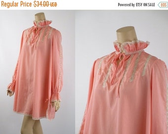 SALE 1980s Nightgown Eve Stillman Peach Shortie Gown w/ Puffy Sleeves B44