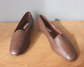 vintage leather flats 9 US / brown leather shoes / preppy loafers